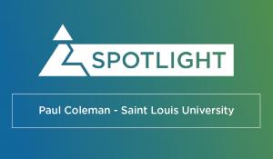 Lee más sobre el artículo Cómo el profesor Coleman utiliza CapsimInbox en la Universidad de Saint Louis para fomentar el desarrollo estudiantil significativo